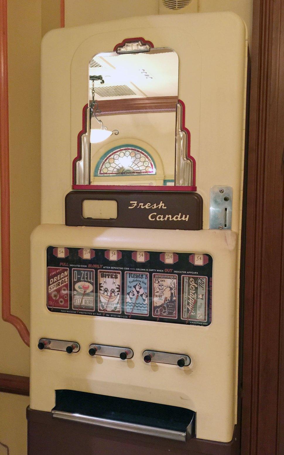 Vending-Machine-FULL-SIZE