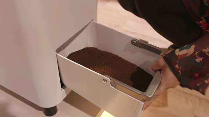 New Kitchen Appliance Turns Food Waste Into Fertilizer In 24 Hours