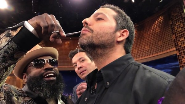 David Blaine sewed his mouth shut on the Tonight Show