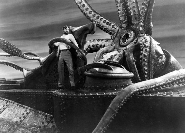 Scientists declare octopi life from another world