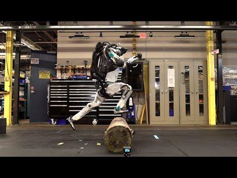 Incredible video of Boston Dynamics' Atlas robot doing parkour