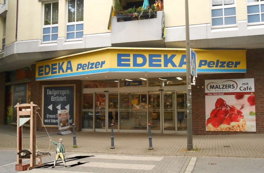 After unsuccessful legislative reform, German radicals defy the law to dumpster-dive at grocery stores