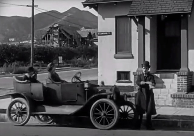 """High quality video of Chaplin's """"A Day's Pleasure"""" (1919)"""