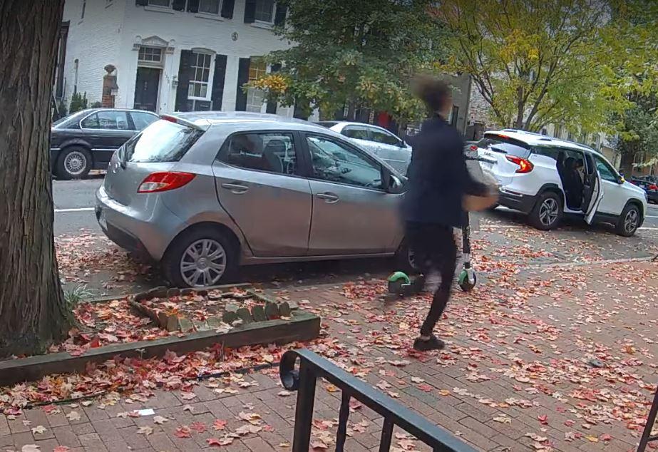 Man steals pumpkin