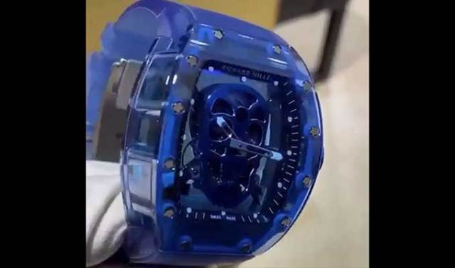 "How to do like this $2,500,000 dollar wristwatch? ""This look like a Burger King watch"""