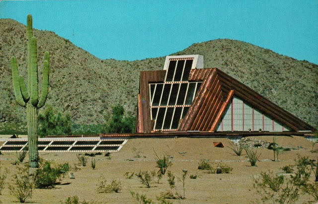 """Remembering the Awhatukee House of the Future, a """"shining home of dreams"""" that became a $3 tourist trap"""