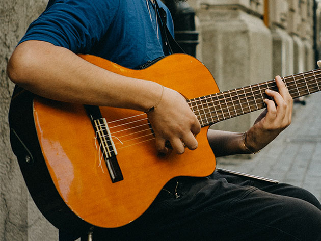 Finally learn how to play the guitar with the guidance of these expert-led classes