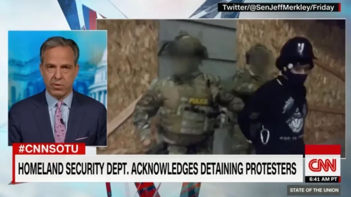 """CNN blurs faces of Trump's """"secret police"""", then admits it screwed up"""