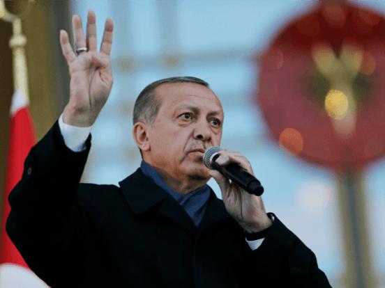 Η Τουρκία αναλαμβάνει τη διοίκηση της δύναμης του ΝΑΤΟ καθώς σφραγίζει τη συμφωνία για τα όπλα της Ρωσίας
