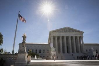 Full SCOTUS Keeps Trump Travel Ban in Place Till October | Breitbart