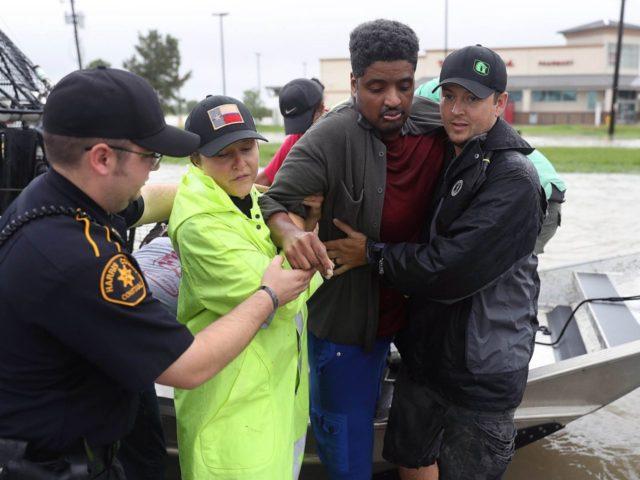Hurricane Harvey Houston Texas helping (Joe Raedle / Getty)