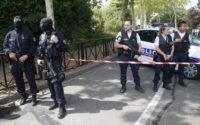 Man kills mother, sister; France sees no apparent terror tie
