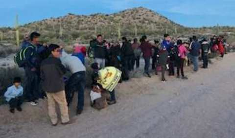 Ajo Station Border Patrol agents apprehend a group of 80 mostly Guatemalan migrants in southern Arizona. (Photo: U.S. Border Patrol/Tucson Sector)