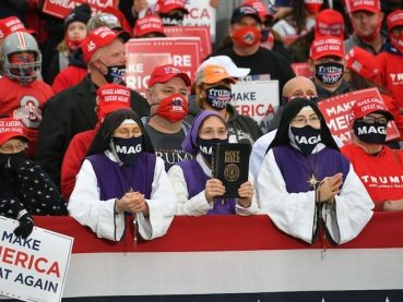 Supporters listen to US President Donald Trump speak during a campaign rally at Pickaway Agriculture and Event Center in Circleville, Ohio on October 24, 2020. (Photo by MANDEL NGAN / AFP) (Photo by MANDEL NGAN/AFP via Getty Images)