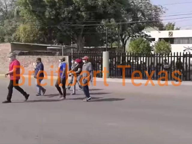 , WATCH: Cartel Gunmen Ambush Police in Western Mexico, Nzuchi Times Breitbart