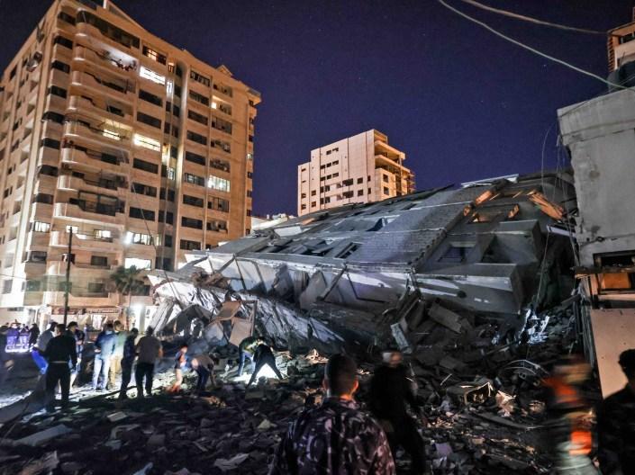 Gaza collapsed building (Mahmud Hams / Getty)