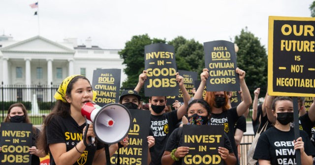 , Secret Service Arrests 'Dozens' of Climate Protesters During White House 'Siege', Nzuchi Times Breitbart
