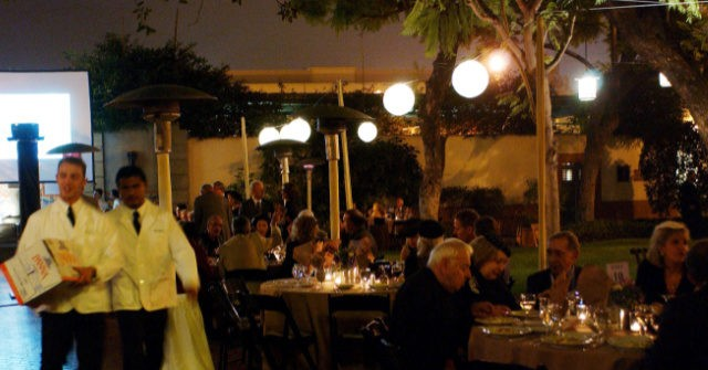 , California Bay Area Restaurants Add Fees to Address High Labor Costs, Worker Shortages, Nzuchi Times Breitbart