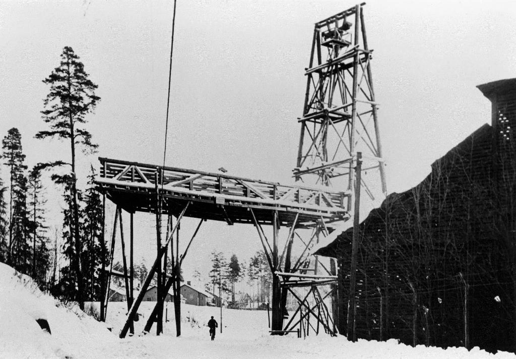 Linbanan passerade Semlavägen vid kolhuset, foto Bengt Stråhle
