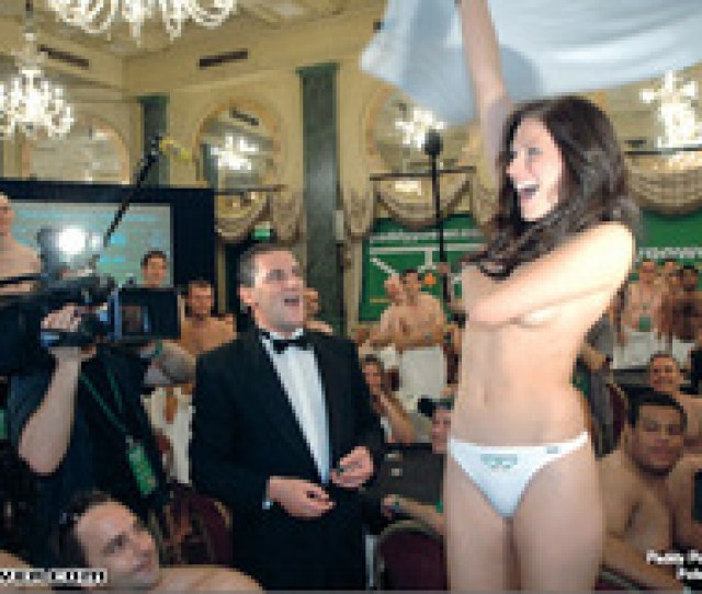 Germany Crowns Strip Poker Champion