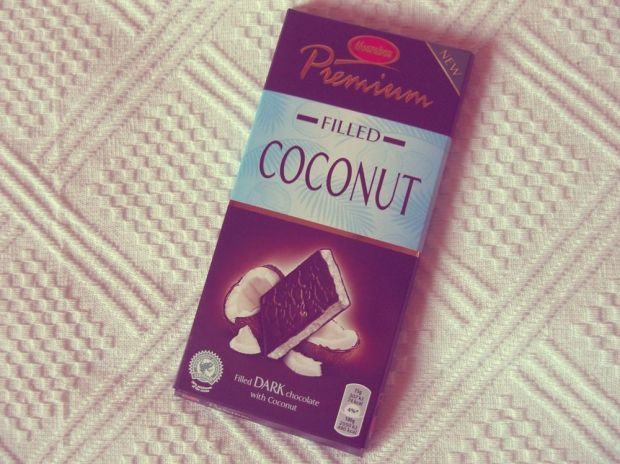 Filled Coconut från Marabou Premium