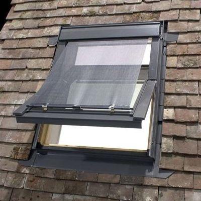 fenetre de toit velux ggl solaire m04 dim 78 x 98cm