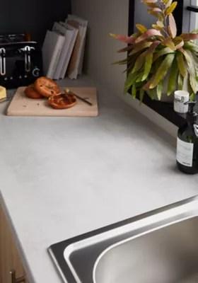 plan de travail en stratifie aspect beton goodhome kala 300 cm x 62 cm x ep 3 8 cm