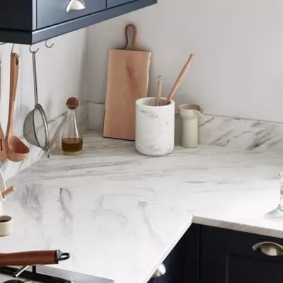 plan de travail en stratifie aspect marbre blanc goodhome algiata 300 cm x 62 cm x ep 2 2 cm
