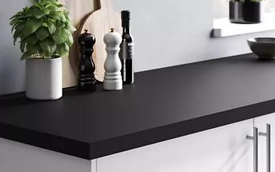 plan de travail en stratifie noir mat goodhome berberis 300 cm x 62 cm x ep 3 8 cm