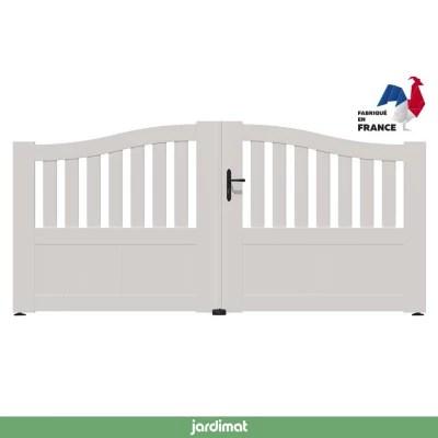 Portail Jardimat Pvc Arlay Chapeau De Gendarme Blanc 9016 350 X H 120 140 Cm Castorama