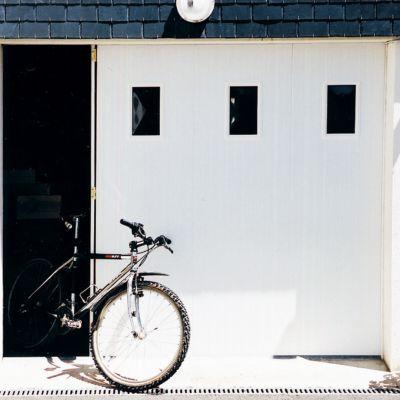 Porte De Garage Coulissante Pvc Hublots L 240 X H 200 Cm En Kit Castorama