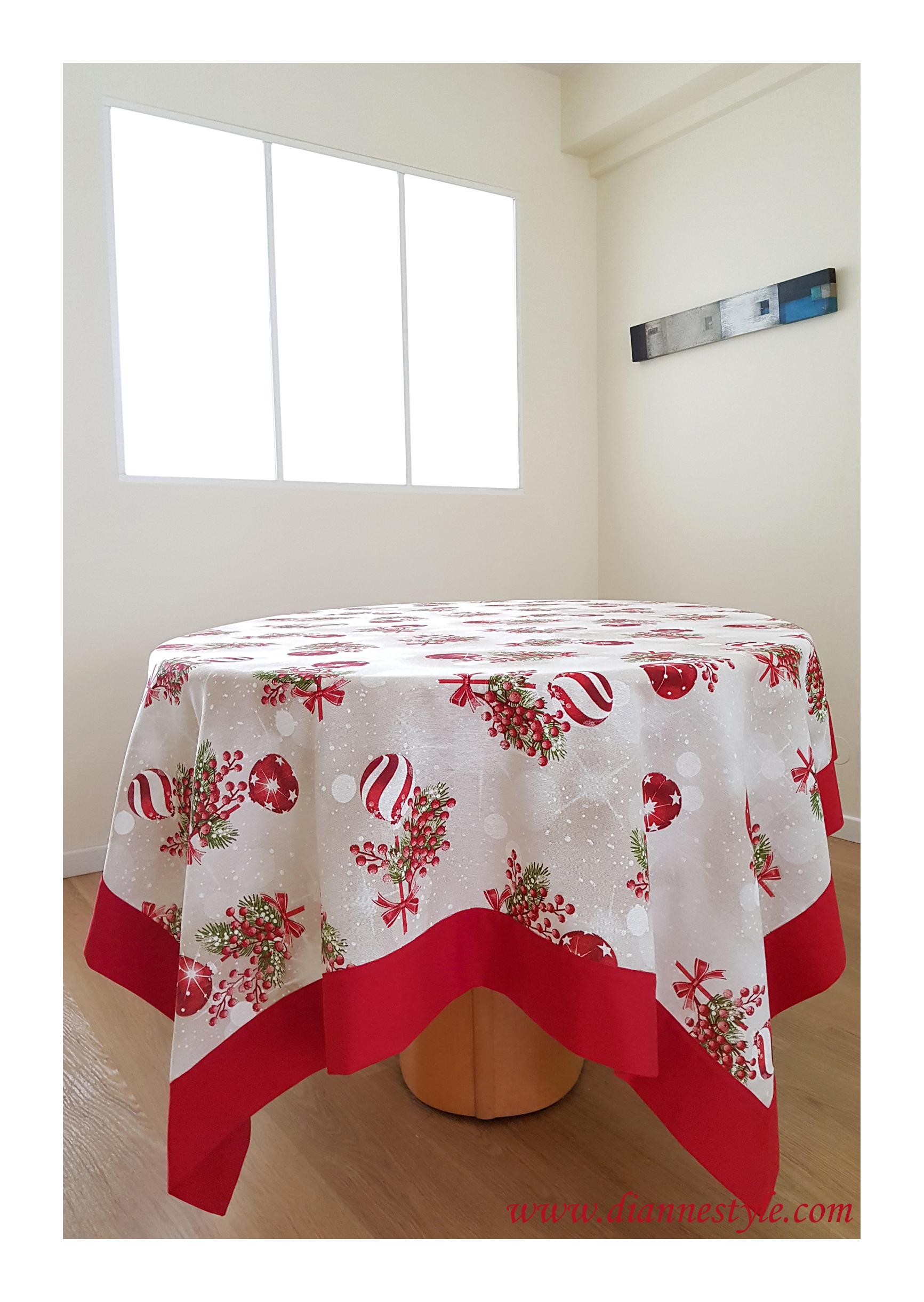 nappe de noel rectangulaire bordure rouge 160x310 cm ref 273