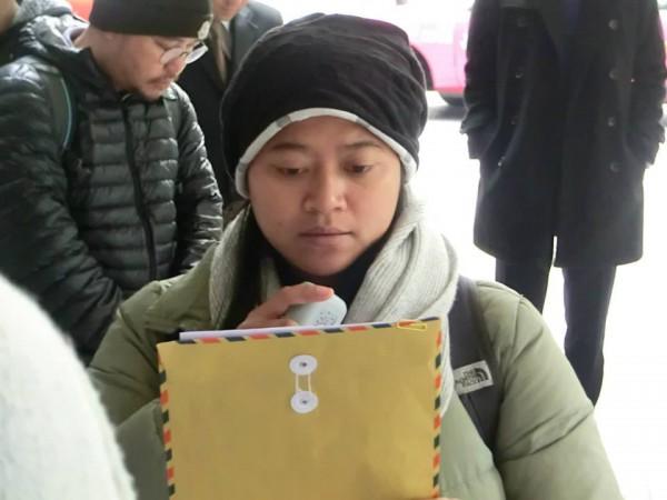 印傭工會代表Sringatin讀出聲明,要求寬大處理事件