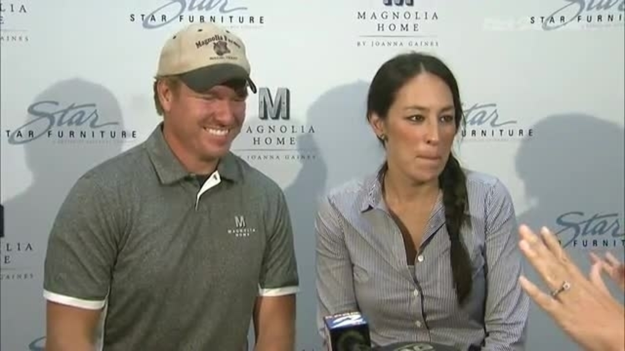 Meet Fixer Uppers Chip And Joanna Gaines