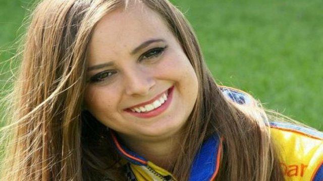 FIT_1542382067964_14127932_ver1.0_1280_720 Drag racer Kat Moller killed after debris hit her helmet, officials say