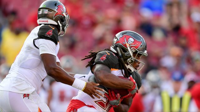 Bucs%20v%2049ers%20112518_1543187289512.jpeg_14601557_ver1.0_1280_720 Winston shines, Bucs beat 49ers 27-9 to end 4-game skid