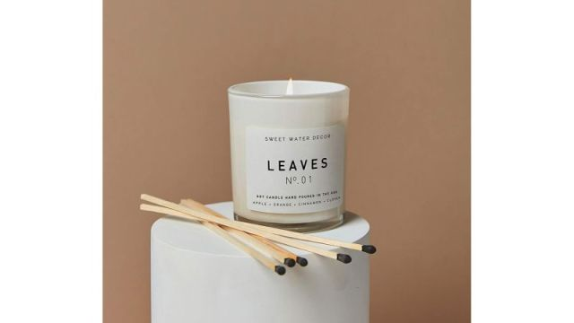 Sweet Water Decor Leaves Candle