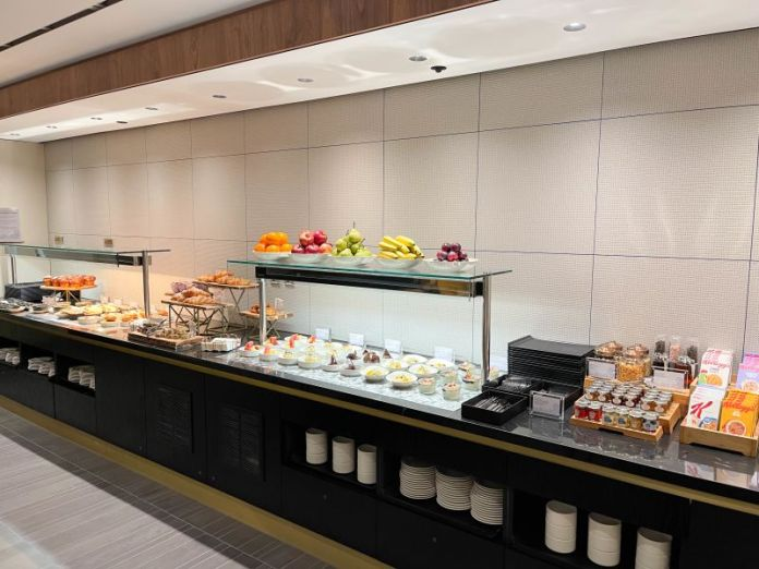 The self-serve food area.