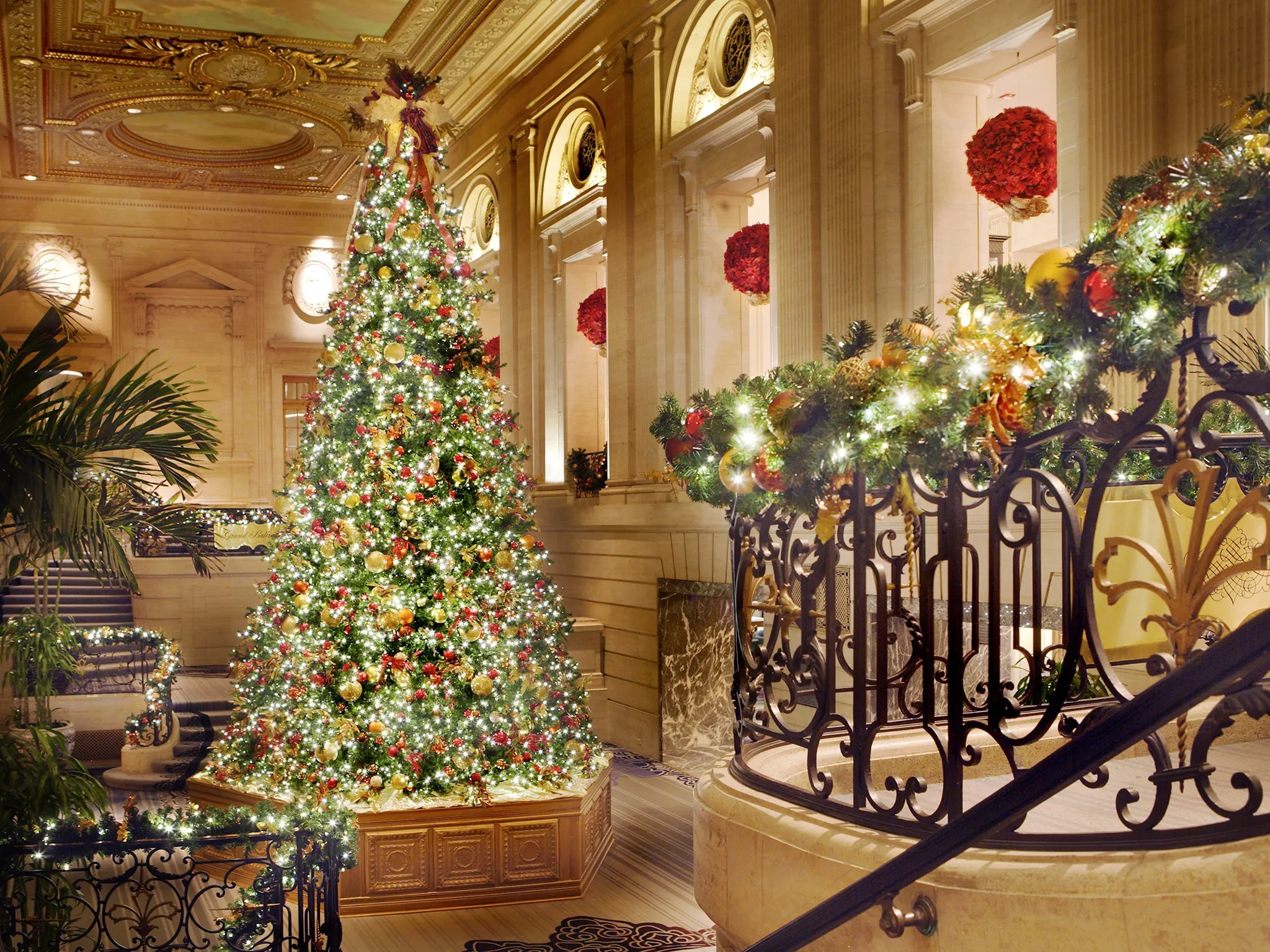 The 12 Best Hotel Christmas Trees