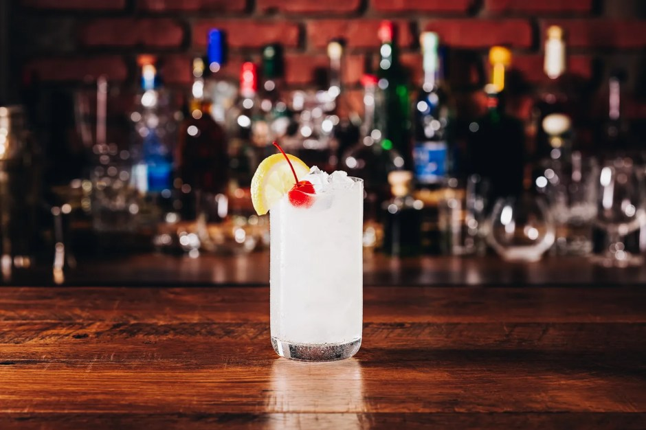 Refreshing Tom Collins Cocktail