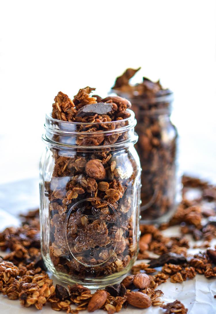 https://i2.wp.com/media.cookingandbeer.com/almondgranolafinal2.jpg