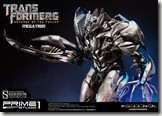 Hail Megatron with this very expensive statue! 4