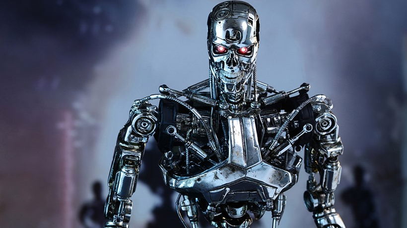 Even a sixth-scale replica Terminator is terrifying 5