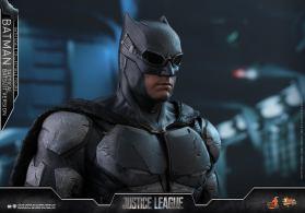 JL Tatctical Batman (1)