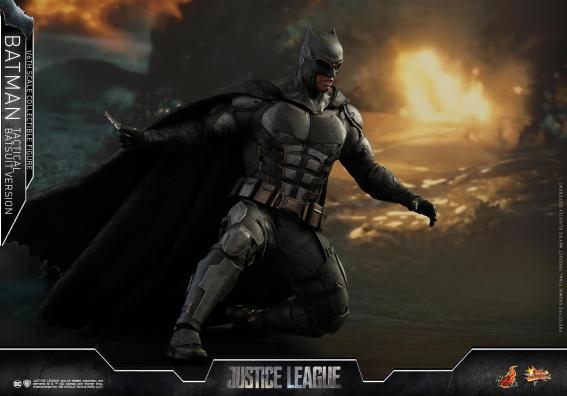 JL Tatctical Batman (12)