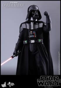 Hot Toys Darth Vader (21)