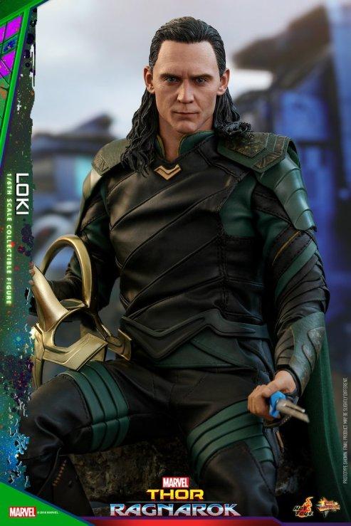 Hot Toys Loki (16)