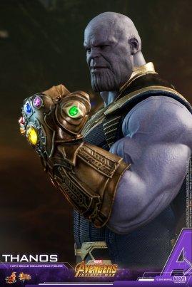 Hot Toys Thanos (20)