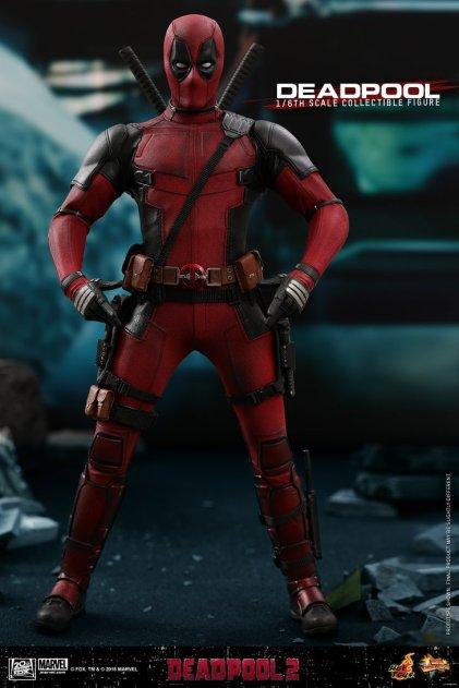 Hot Toys Deadpool (9)