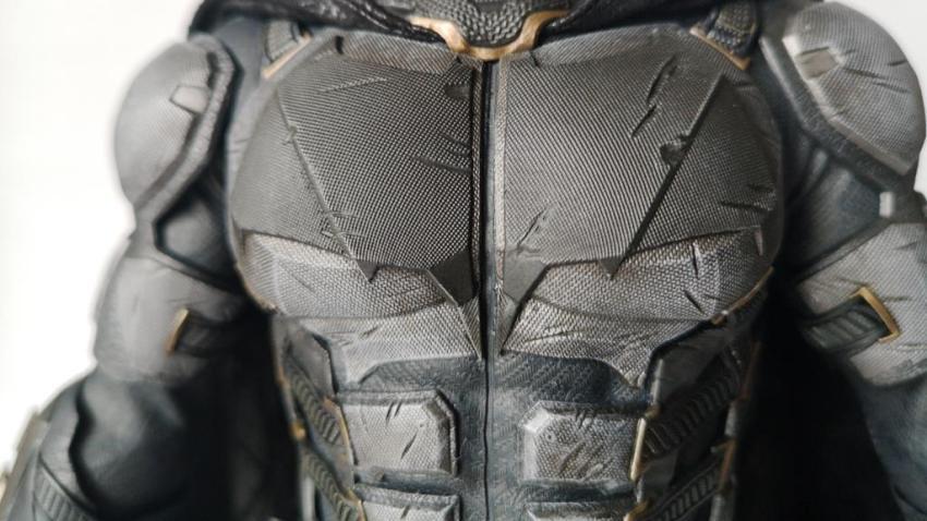 Hot Toys MMS 432 Justice League Batman Tactical Batsuit Review – Bat in Black 24